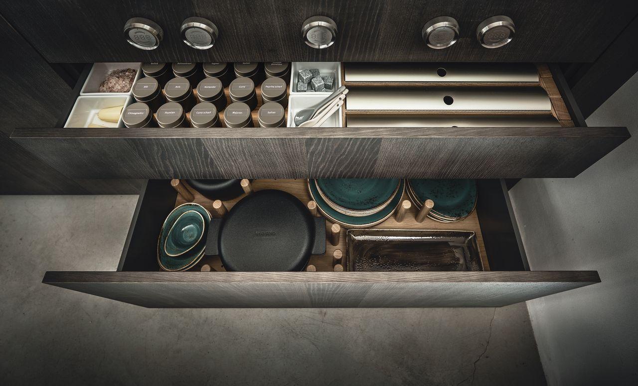 Ausreichend Stauraum ist in jeder Küche wichtig.